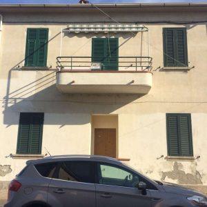 Ristrutturazione della facciata esterna di Casa Antea, GH Lazzerini. San Vincenzo
