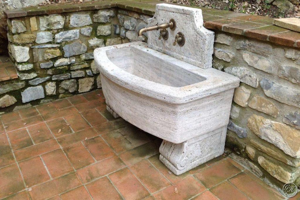 Il lavabo garden house lazzerini lo stile della praticit - Lavatoio in pietra da esterno ...