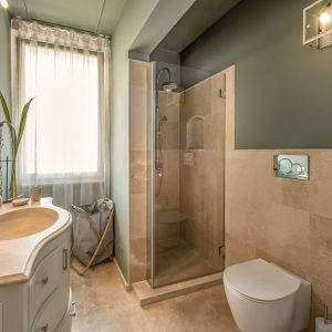 Bagni travertino, design GH Lazzerini