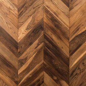 Solid herringbone wood floor