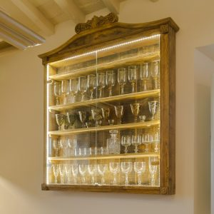Display cabinets - Garden House Lazzerini, bespoke furniture, Tuscany